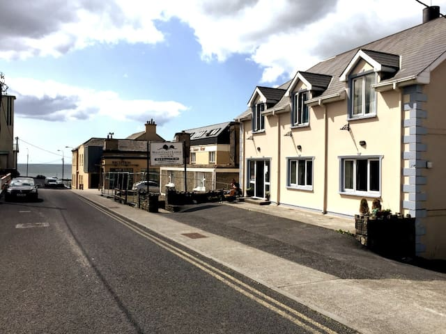 West Coast Lodge, in the Heart of Lahinch
