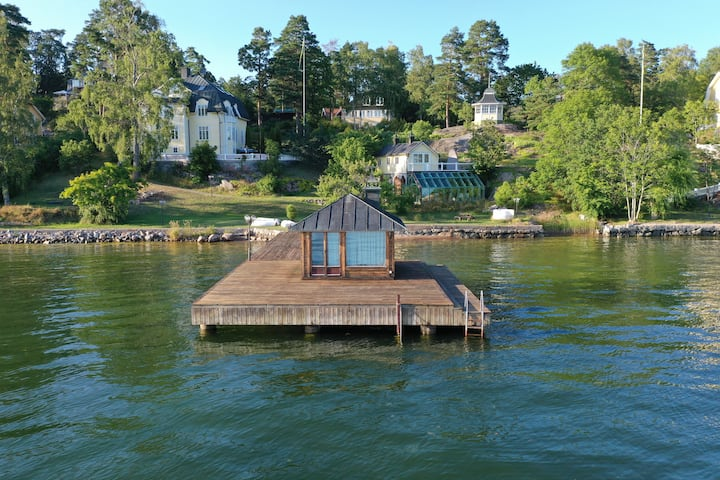 Waterfront house in the archipelago of Stockholm