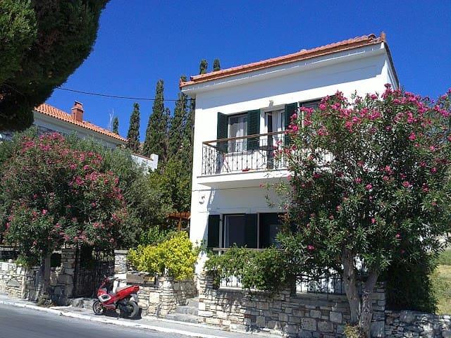 Andreadakis Apartments