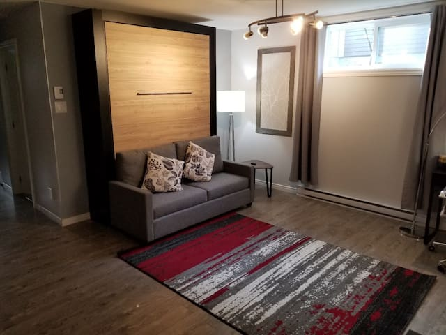 Fully furnished/renovated apartment in Joliette
