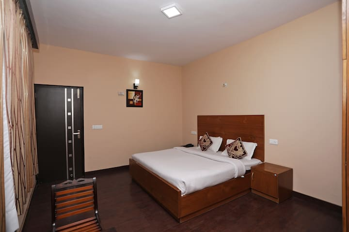 OYO-On Sale Hill View Cottage Near Rohtang Highway