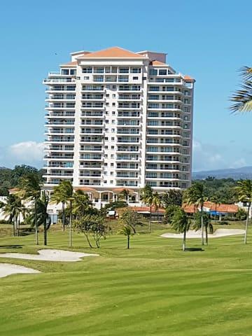 Espectacular apartamento en Vista Mar Resort - San Carlos - Apartemen