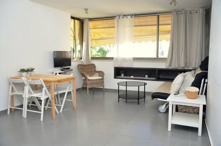 Near the beach award winner 1br apt - Tel Aviv-Yafo - Appartement