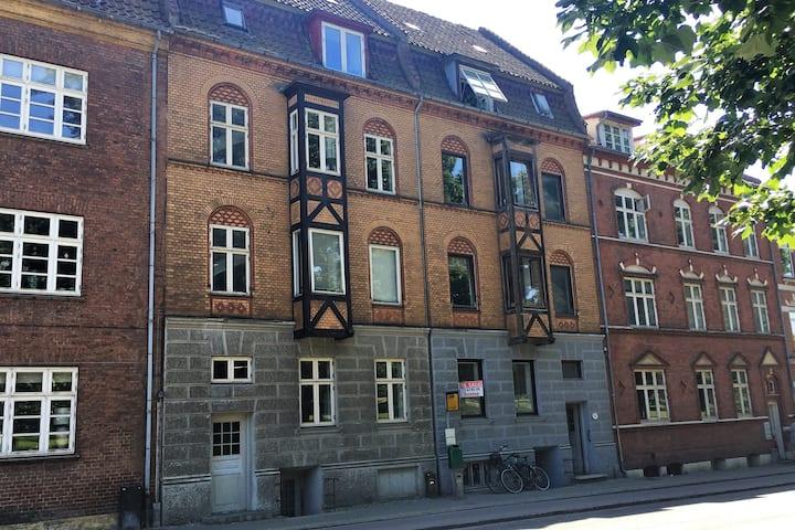 Dejlig lejlighed i Horsens C Fx Arbejdsrelateret