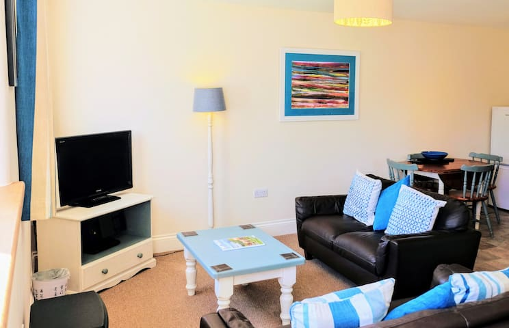 Family and pet friendly cottage close to the beach