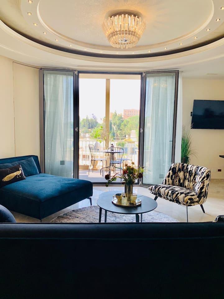 פנטאהוז 2 קומות בשדרת ממילא, Mamilla's penthouse