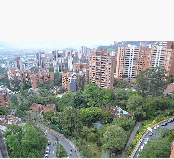 Hermoso apartamento en POBLADO, espectacular vista