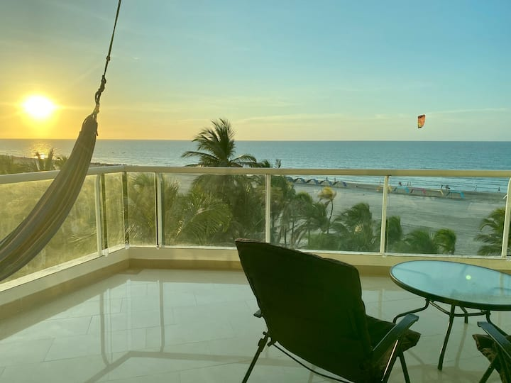 Relaxing Oceanfront Apartment - Best Location
