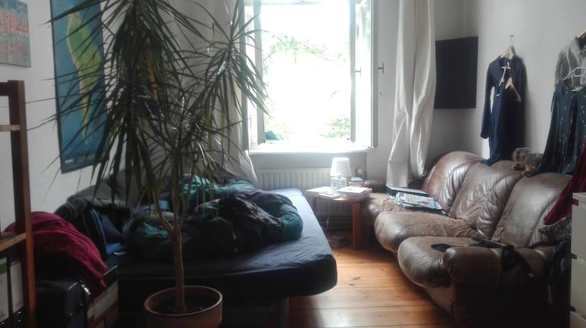 Zimmer direkt in Schöneberg im  Sommer