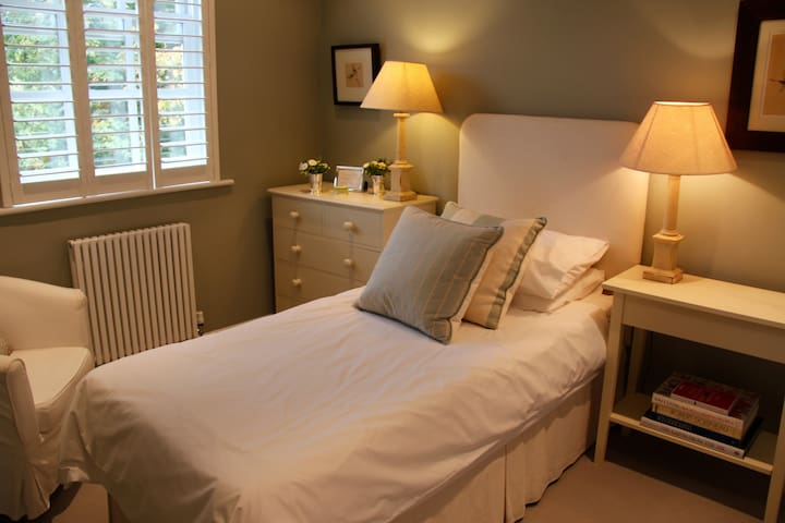 Beautiful Stockwell B&B in Zone 2, Central London