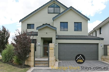 Prestige- Big Families or Groups 5KM from the City - Osborne Park - Haus