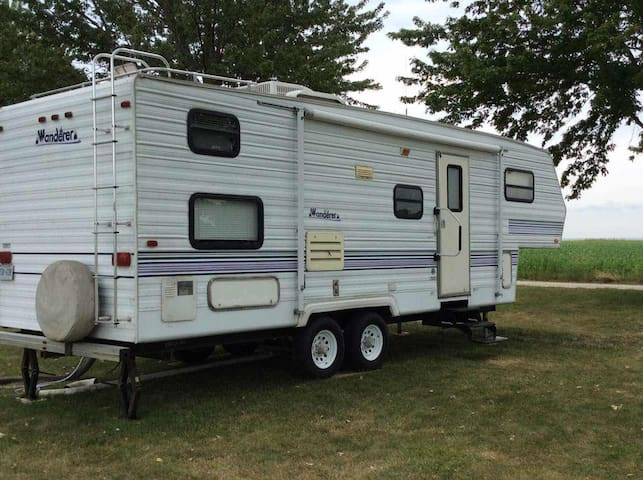 LAKESIDE VILLAGE CLASSICAL RV EXPERIENCE