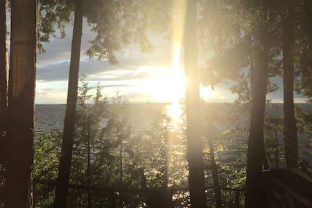 Lake Champlain Waterfront Getaway - Milton - Chatka