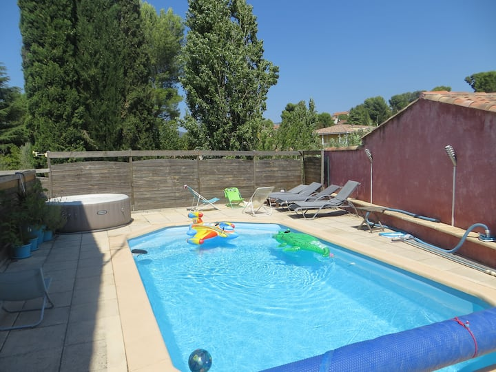 appartement 2 personnes + terrasse   + piscine