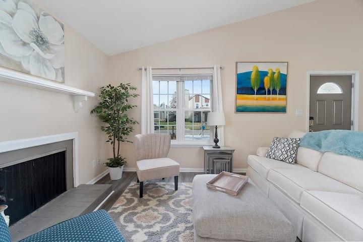 *New* Gorgeous Virginia Beach Home