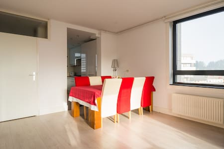 65sqm apartment, 15 mins to Centrum by metro - Amsterdam-Zuidoost