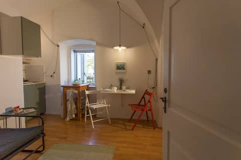 Cres, Old town romance for two with breakfast