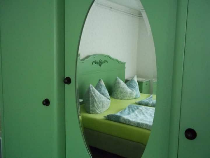 Grünes Gästezimmer i Ostseenähe/Frühst auf Wunsch