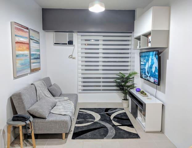 Cozy 1 Bedroom BGC * Fast wifi * Netflix