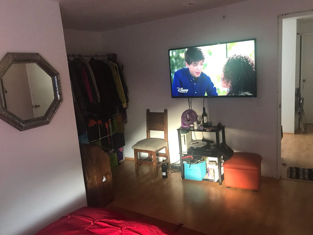 Cuarto privado barato en hermosa casa