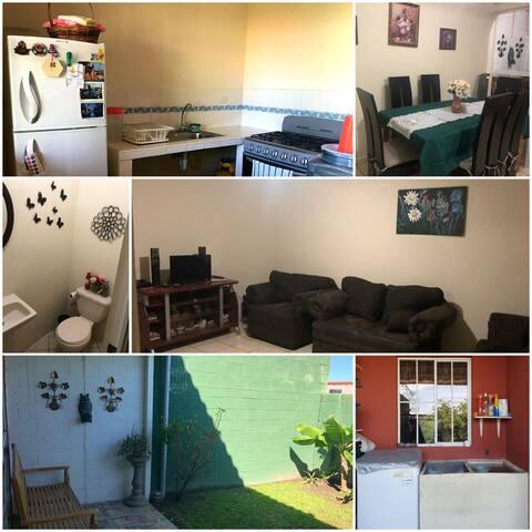 Bella casa en San Salvador, en residencial privada