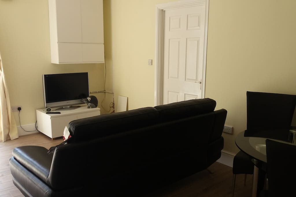 Lounge area with freeview tv