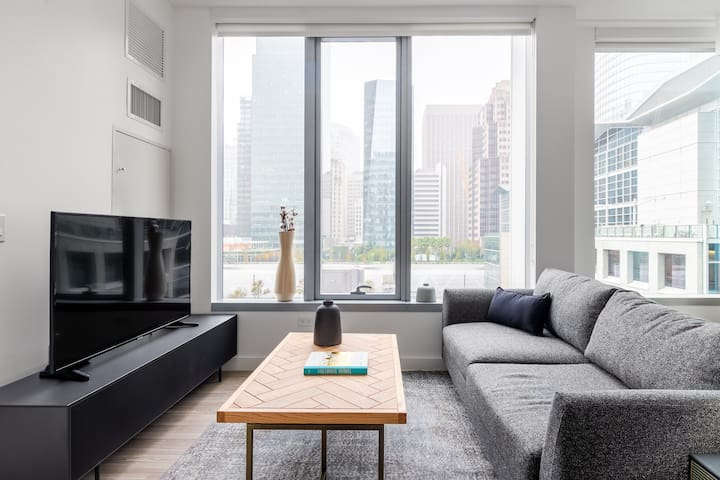 Hip Rincon Hill 1BR w/ Gym, Rooftop, Hot Tub, nr. SV. by Blueground