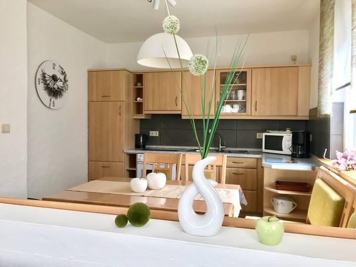 Ferienhaus 2 An der Rodach (Steinwiesen), Ferienwohnung 3 An der Rodach im EG mit Naturmaterialien eingerichtet