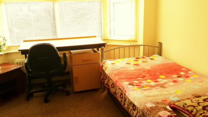 Gorgeous Double Room for females only