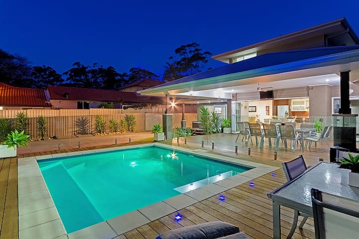 Luxury home with heated pool - North Avoca