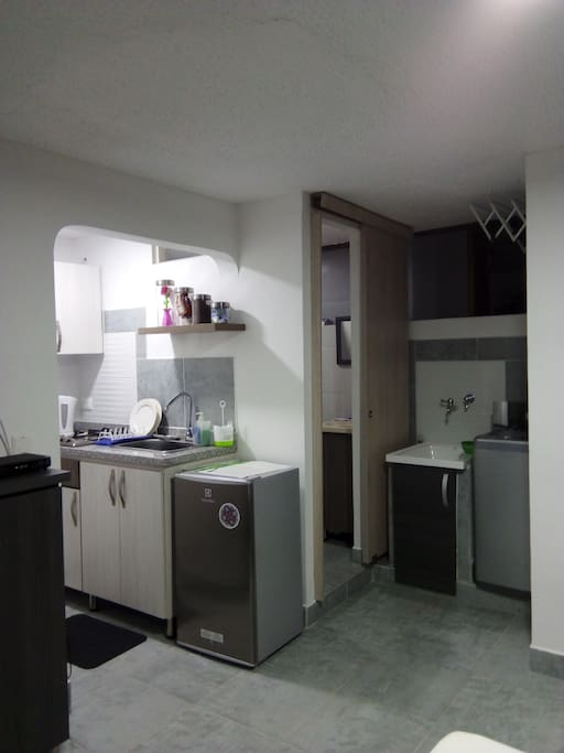 kitchen laundry restroom so Q