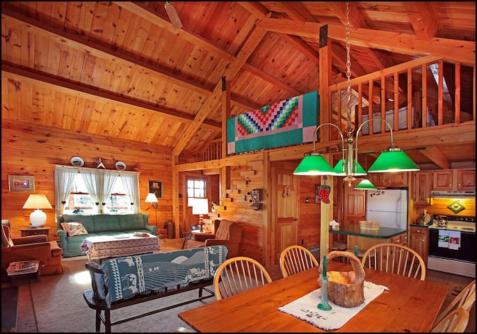 Real Log Cabin - Spring Disc. MidWk $500 /2 nights