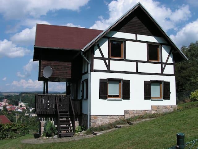 Idylisches Ferienhaus in Niederschlesien - Duszniki-Zdrój - Hus