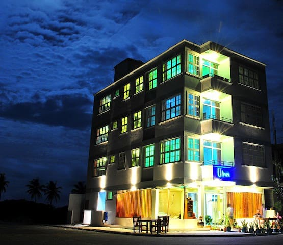 Stay Cheap and Enjoy :) - Malé - Bed & Breakfast