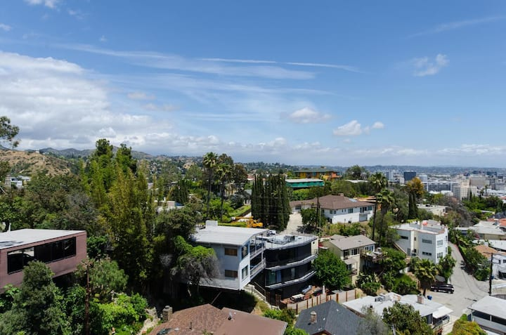 Luxury Panoramic Villa with 360 Los Angeles VIEW