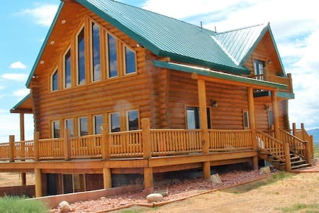 Red Rock Ranch Log Cabin: Large, Fully Furnished