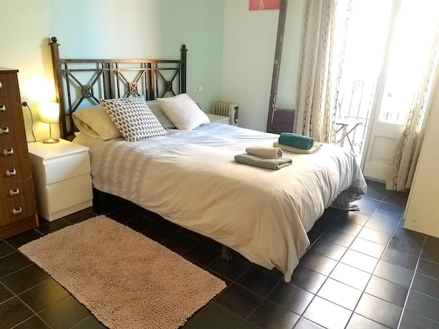 SUNNY DOUBLE ROOM WITH BALCONY