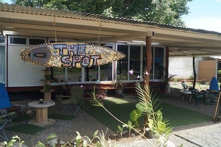 The Spot Hostel for Travelers on a Budget Dorm - Esterillos Oeste