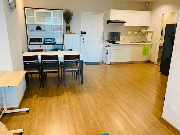 清迈103公寓,unity 隔壁,abs ,美中,varee ,蒙福学校和promenade商场很近