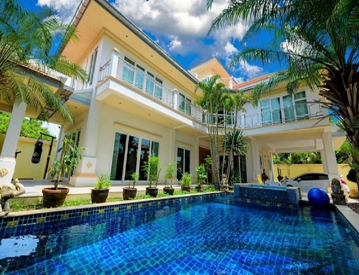 Pool Villa with Jacuzzi, Waterfall, Patio and Garden