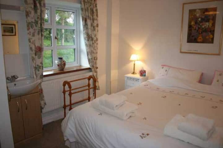 B&B in private wing | Tranquility | Heated pool |