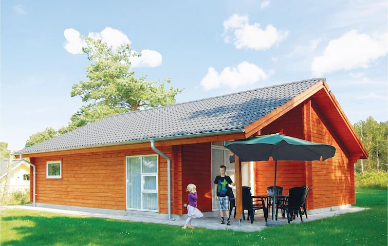 Holiday cottage with 3 bedrooms on 81m² in Løgstør