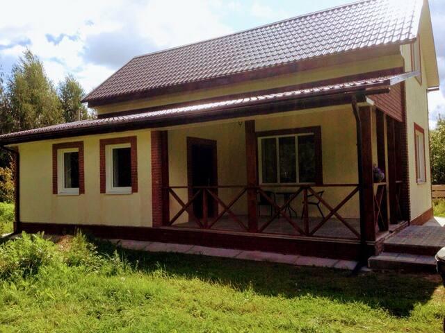 Уютный домик  вблизи озера, живописные виды