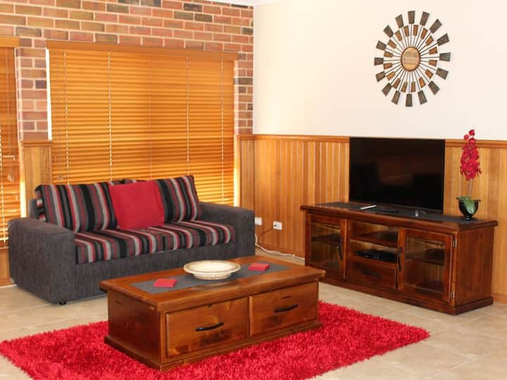 Jana Manor 4 Townhouse Swan Hill