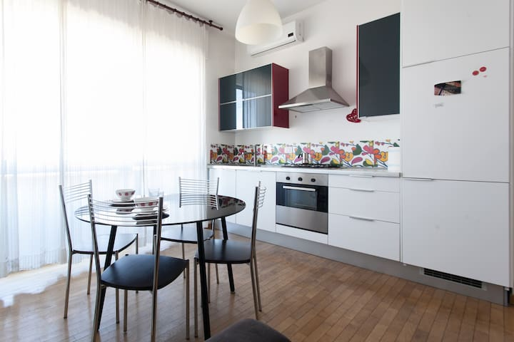 QUIET AND COMFORTABLE NEAR NAVIGLI - Milano - Apartment