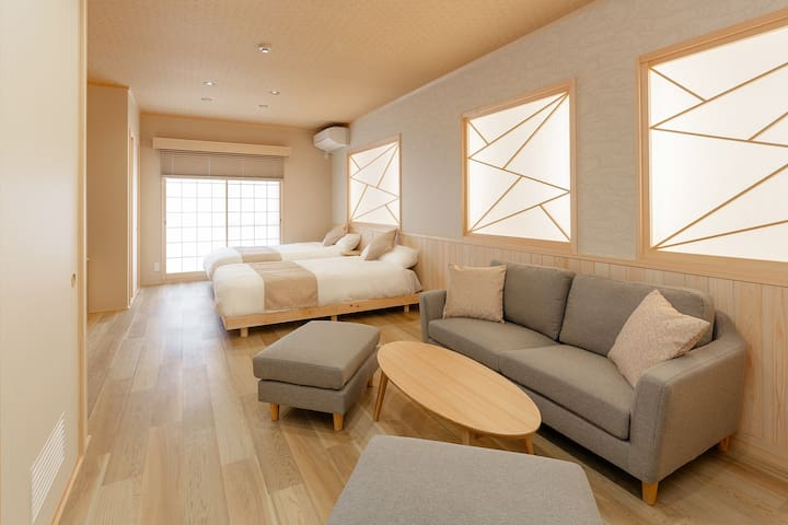 Exquisite Japanese Modern Apt | 1min from NIJO STA