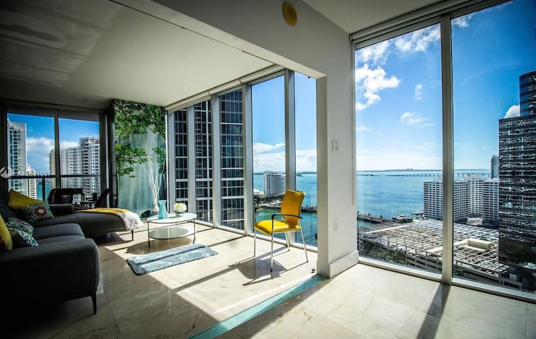 Stunning 2BR with 360 ocean view in Icon Brickell