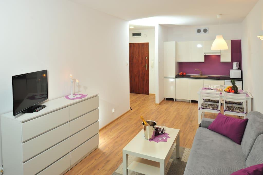 Apartament Solna B 307 - salon z aneksem kuchennym