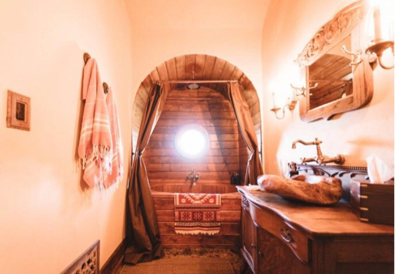 This offgrid property has a shower, tub for two, sink & toilet