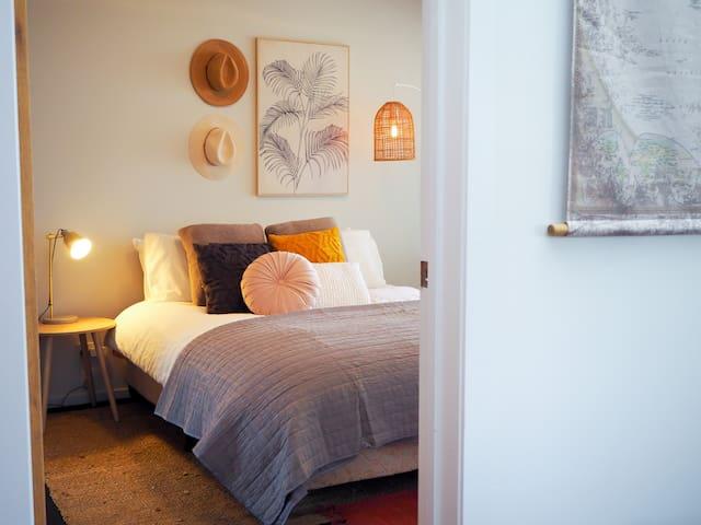 master bedroom, with ensuite bathroom